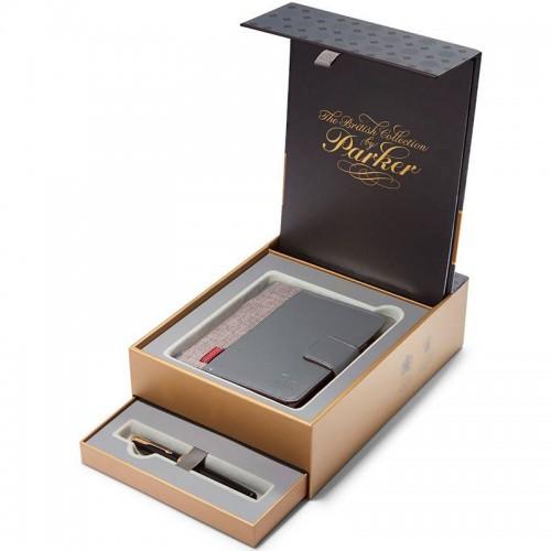 Подарочный набор из перьевой ручки Parker (Паркер) Sonnet Core Black Lacquer GT F 18К и блокнота в Екатеринбурге